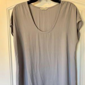 LUSH // Nordstrom grey shirt sleeved shirt